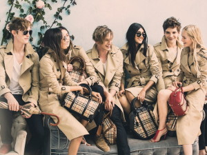 behind-the-scenes-on-the-Burberry-Spring__glamour_16dec13_Pr_b_1080x720