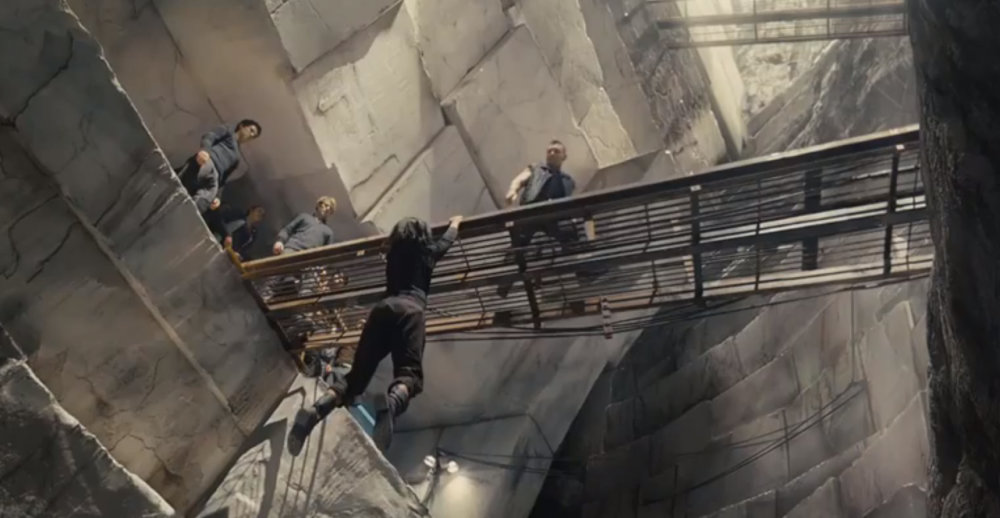 WATCH: New DIVERGENT Clip Featuring Eric (Jai Courtney) & Christina (Zoe Kravitz)
